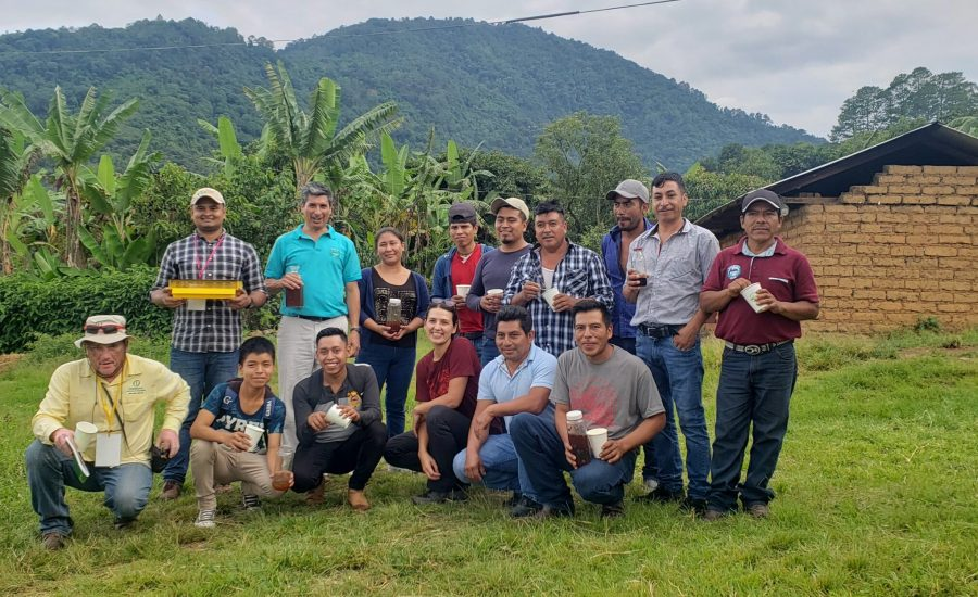 Group of people who attended the workshop in beekeeping in the 2nd International Exchange Mexico-Nicaragua (2019). Vista Alegre, Chiapas, Mexico
