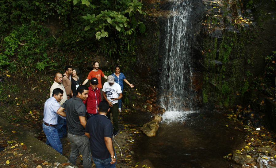 Universidad Nacional Agraria´s students, CESMACH and PRODECOOP´s farmers, ALC and ECOSUR´s researchers enjoying a waterfall in the Northern of Nicaragua, in the 1st International Exchange, 2018. Photo: Alejandra Guzmán Luna