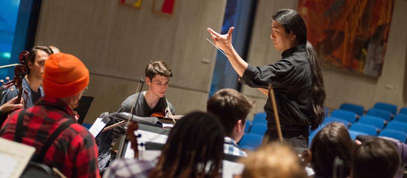 Yutaka Kono conducting
