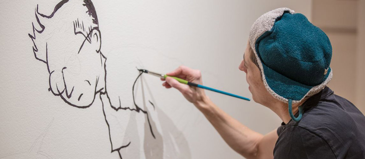 Alison Bechdel paints at the Fleming Museum