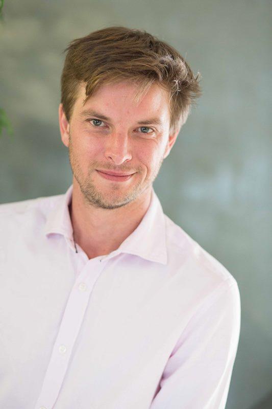 Kenneth DeRoeck