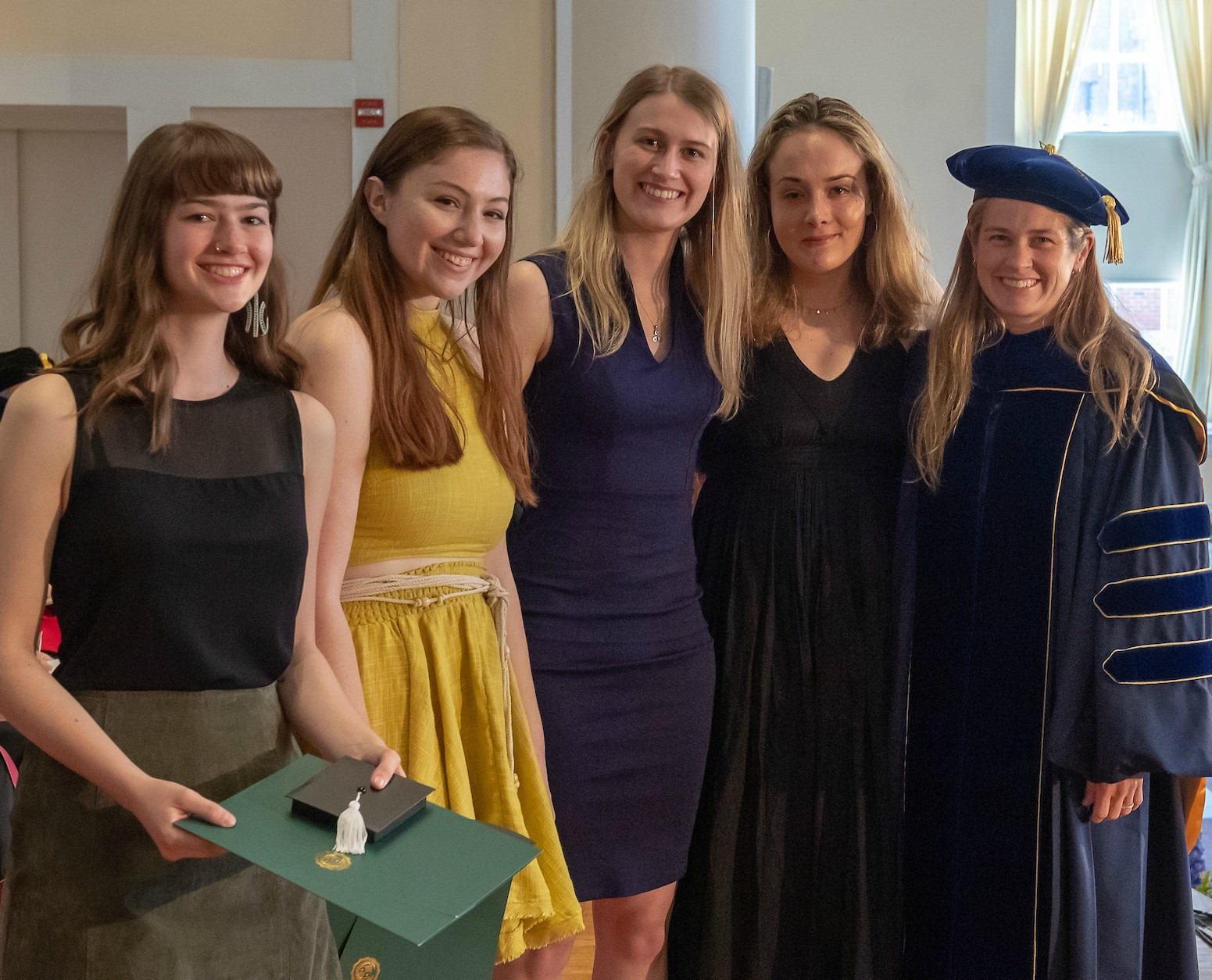 Group photo of 2019 undergraduate award winners in anthropology
