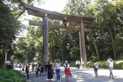 Giant Japanese shrines with people for dramatic size comparison