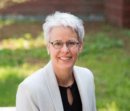 Lisa  Schnell