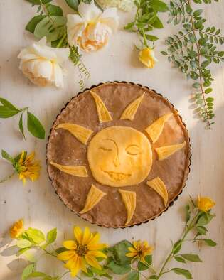 A sun crust baked into a pie
