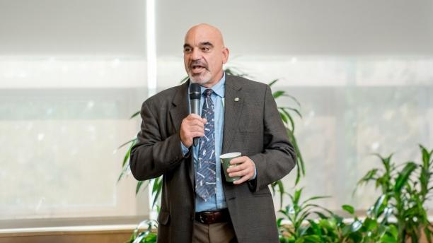 Sal Chiarelli speaking at meeting