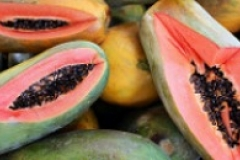Papayas in the market