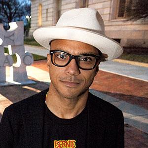 Photo of Luis Calderin