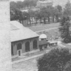 1900's photo of buliding