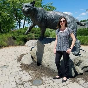 Nicole next to UNH Wildcat statue