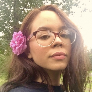 Maria San headshot