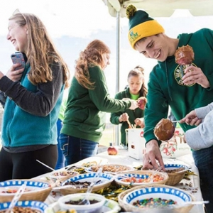 UVM Students enjoying free food on campus.