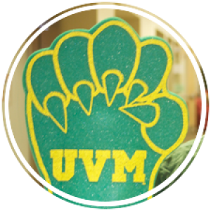 green catamount paw that says uvm