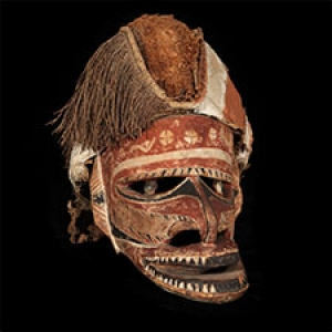 Imqge of a mask from the Oceanic collection