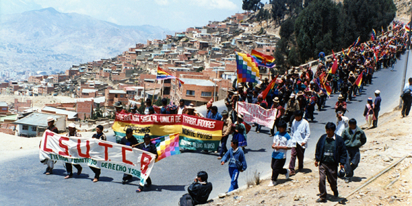 Indigenous activists at the 1996 March for Land and Territory cross into La Paz